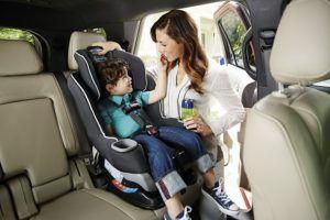 framåtvänd bilbarnstol