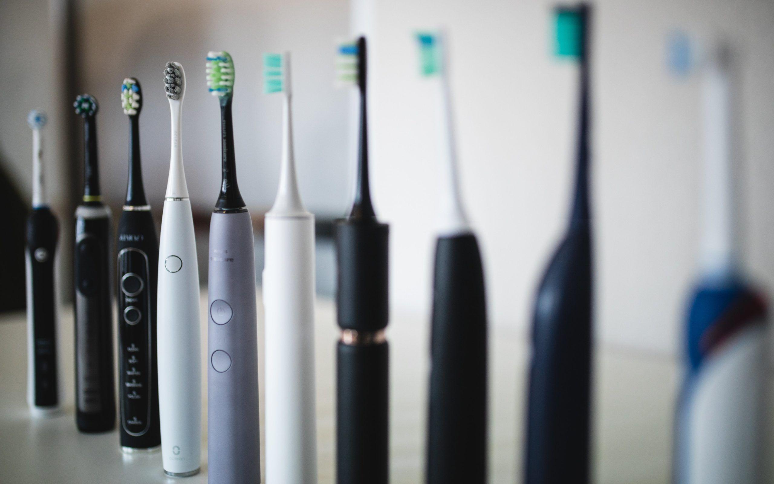 Elektrisk tandborstar stående